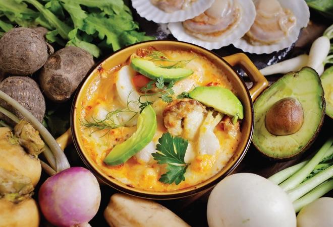 ホタテ貝と鱈と六甲味噌のトマトクリームグラタン