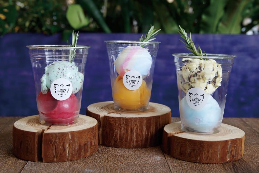6種のテイストから2種を選べるカップアイス
