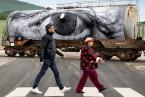 9月15日公開の映画『顔たち、ところどころ』とタイアップ!恵比寿「TOOTH TOOTH」で期間限定パネル展が9月10日(月)からスタート!